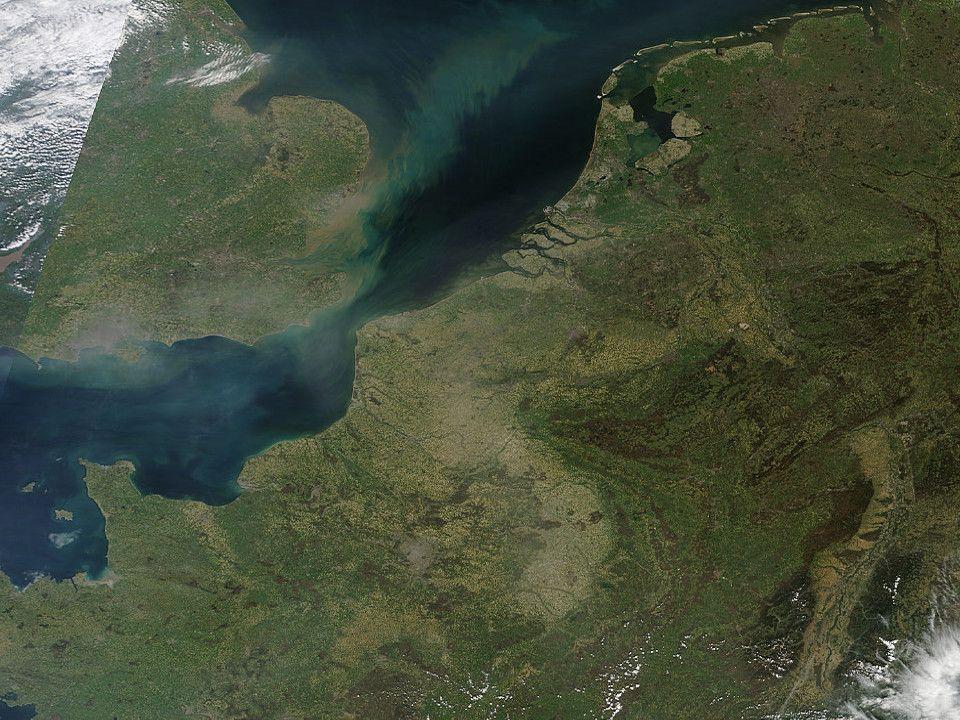 Badania gleby Warsztaty zaawansowane dla nauczycieli, 20-21 kwiecień 2010 Stopień kontynentalizmu wzór Iwanowa A - roczna amplituda temperatury (różnica miedzy średnia miesięczna najcieplejszego i najchłodniejszego miesiąca.
