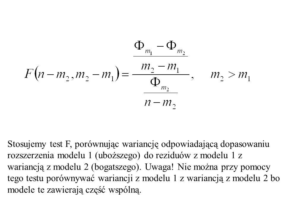Stosujemy test F, porównując wariancję odpowiadającą dopasowaniu rozszerzenia modelu 1 (uboższego) do reziduów z modelu 1 z wariancją z modelu 2 (boga