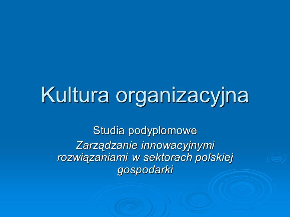 Kultura organizacyjna Kultura organizacji to wyjątkowa konfiguracja norm, wartości, przekonań i zachowań, charakteryzująca sposób w jaki grupy lub jednostki łączą się w celu wykonywania pracy (Eldrige, Crombie)