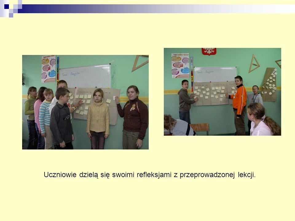 Uczniowie dzielą się swoimi refleksjami z przeprowadzonej lekcji.