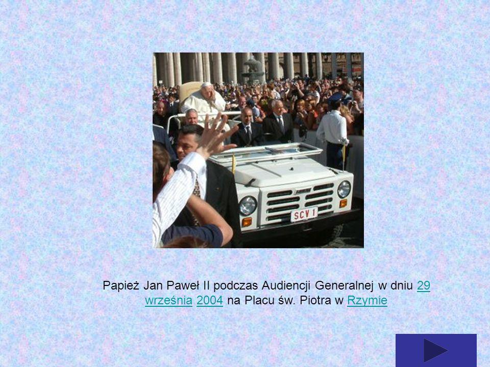 Papież Jan Paweł II podczas Audiencji Generalnej w dniu 29 września 2004 na Placu św. Piotra w Rzymie29 września2004Rzymie