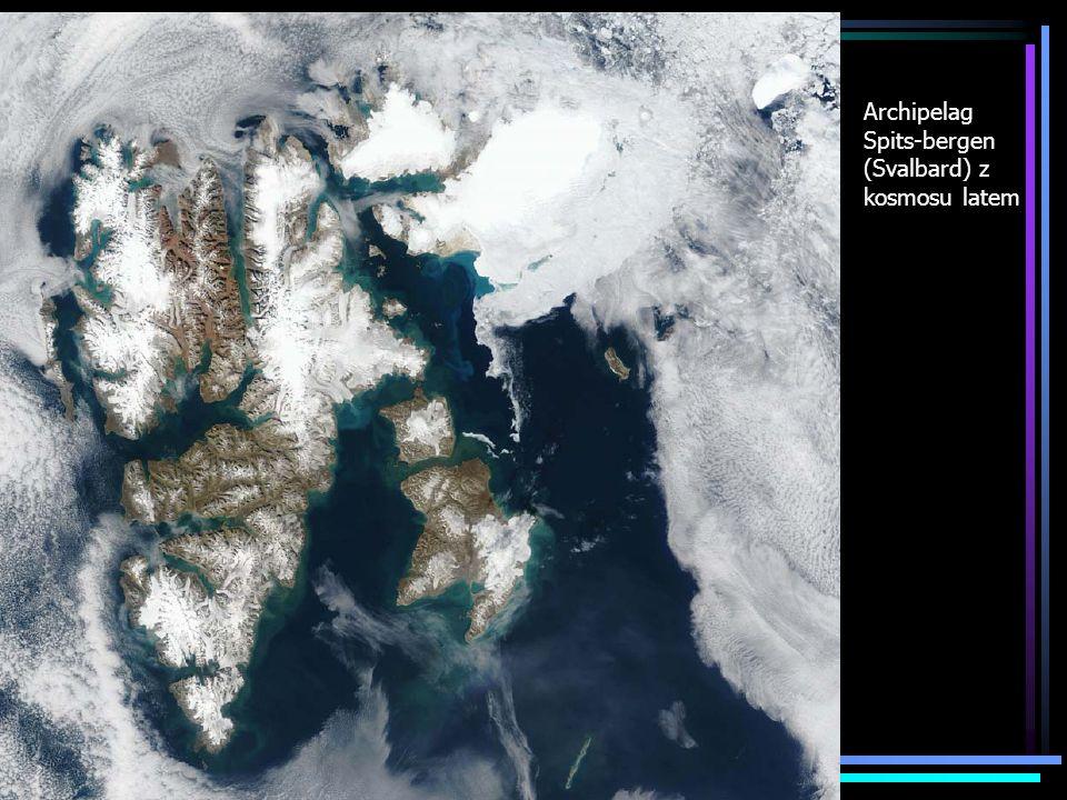 Archipelag Spits-bergen (Svalbard) z kosmosu latem
