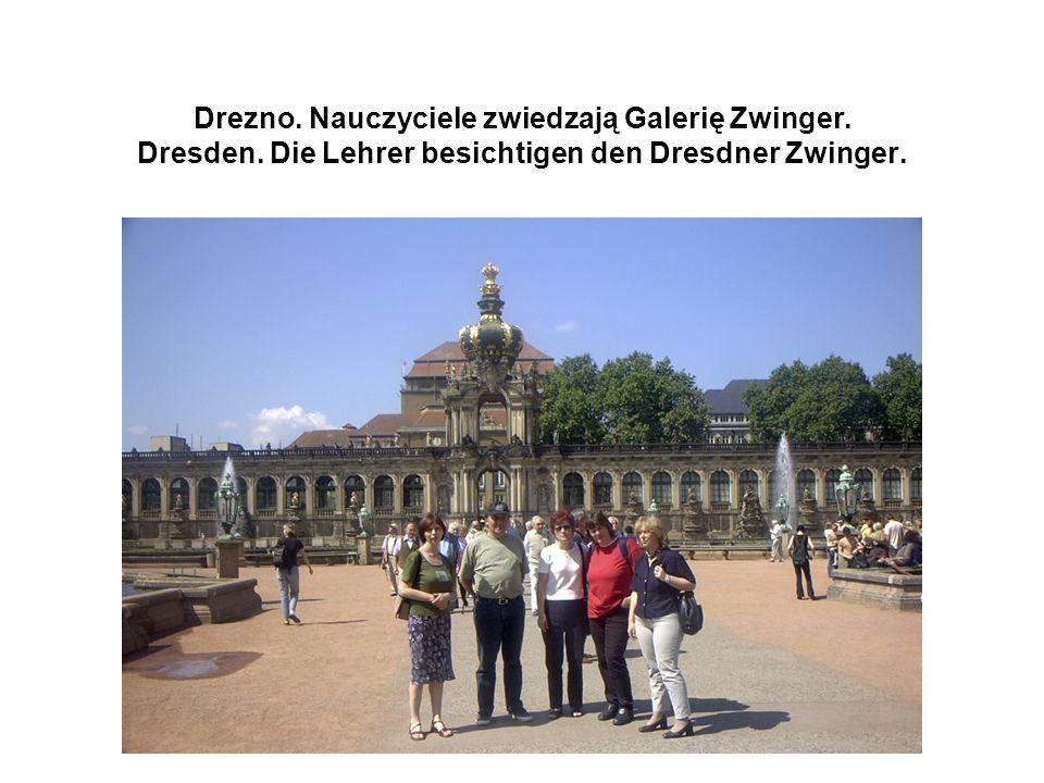 Drezno. Nauczyciele zwiedzają Galerię Zwinger. Dresden.
