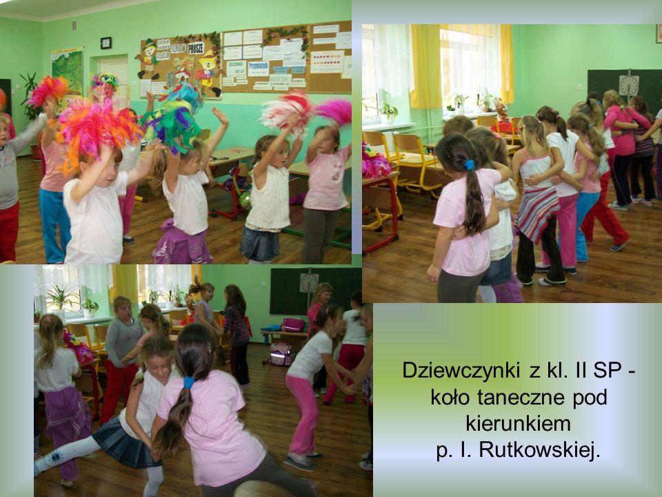 Dziewczynki z kl. II SP - koło taneczne pod kierunkiem p. I. Rutkowskiej.