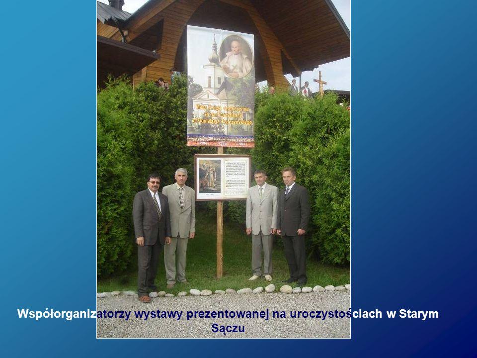 Współorganizatorzy wystawy prezentowanej na uroczystościach w Starym Sączu