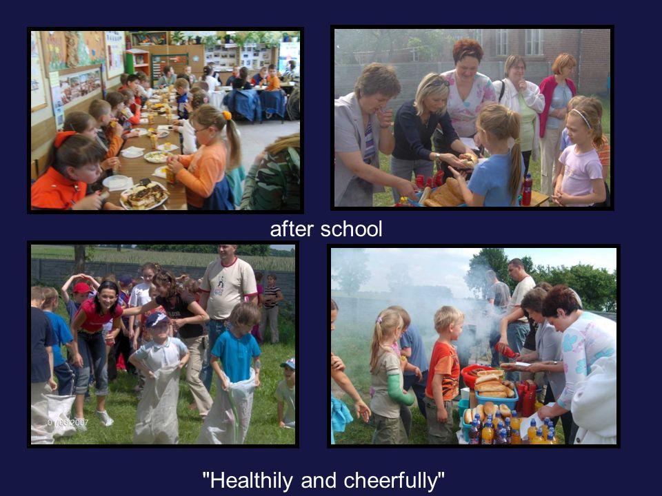Stałe akcje: Jabłko dla każdego z okazji Światowego Dnia Zdrowia; Moje dziecko idzie do szkoły Start Śnieżnobiały uśmiech Radosny uśmiech Między nami kobietkami Elementarz 7 kroków Jemy zdrowo i kolorowo (częstujemy marchewką w świetlicy) Dzień kolorowej surówki actions