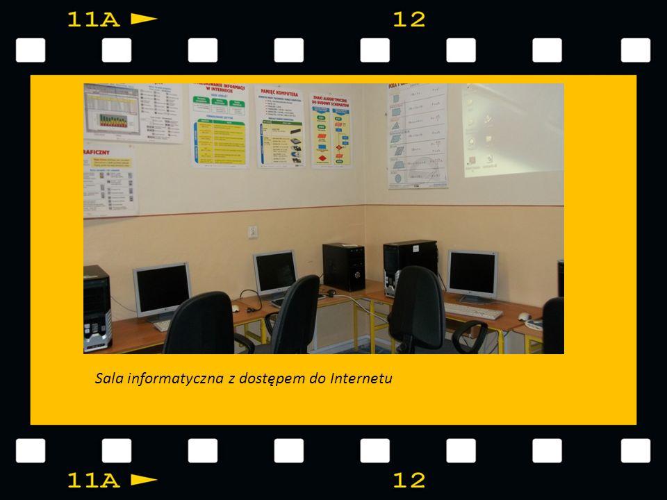 Sala informatyczna z dostępem do Internetu