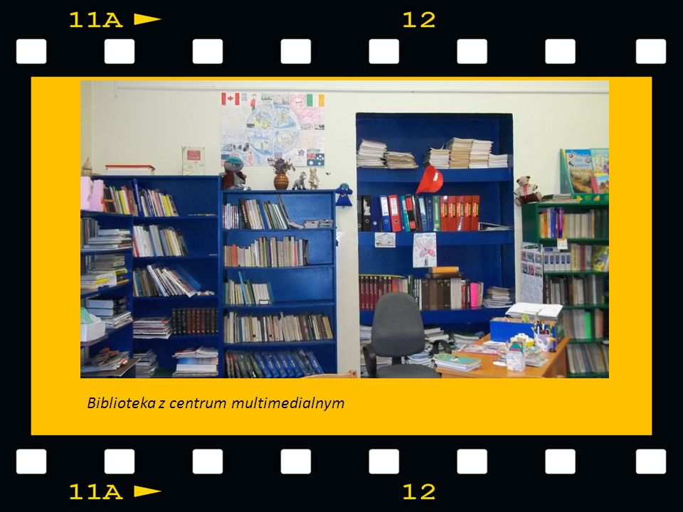 ŚWIETLICA SZKOLNA Świetlica szkolna wyposażona w TV LCD z odtwarzaczem DVD, liczne zabawki, gry edukacyjne – m.in.