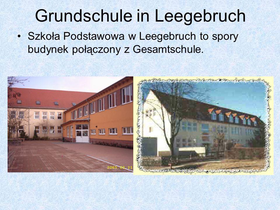 Grundschule in Leegebruch Szkoła Podstawowa w Leegebruch to spory budynek połączony z Gesamtschule.