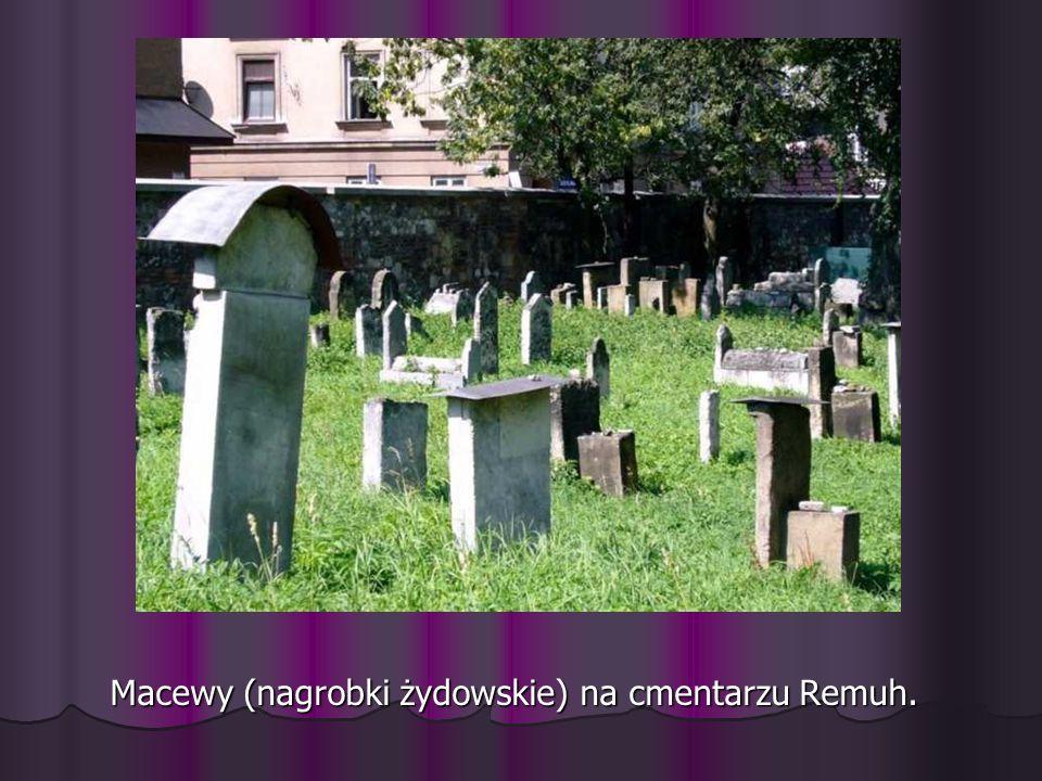 Macewy (nagrobki żydowskie) na cmentarzu Remuh.