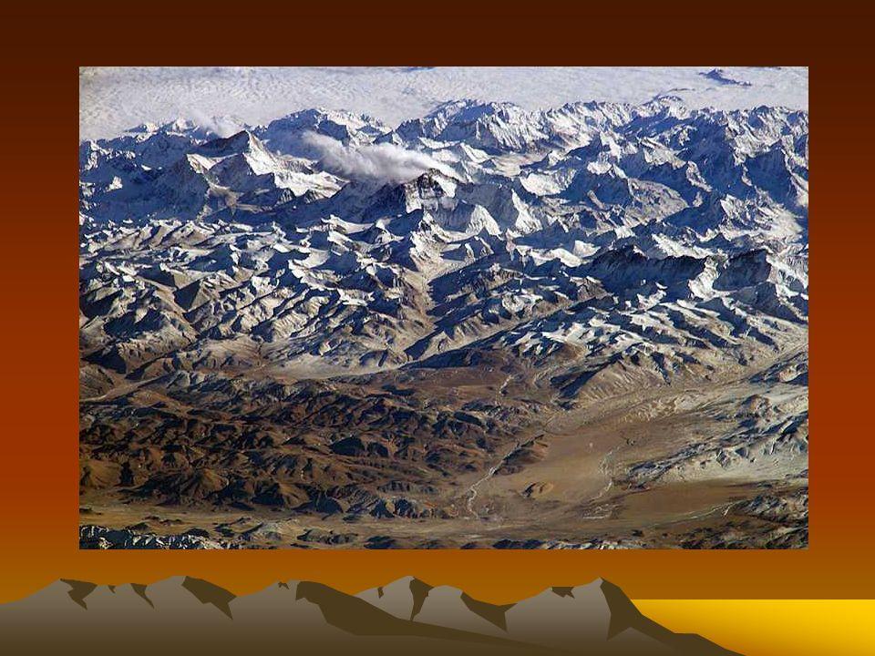 Korona Gór to wszystkie 14 szczytów o wysokości ponad 8 tysięcy metrów lub po prostu Korona Himalajów i Karakorum.