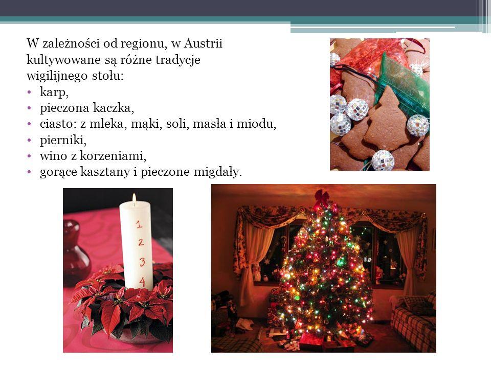 Tydzień przed świętami ubierają choinkę, którą przystrajają ozdobami kupionymi na słynnych na całym świecie targach bożonarodzeniowych Weihnachtsmarkt.