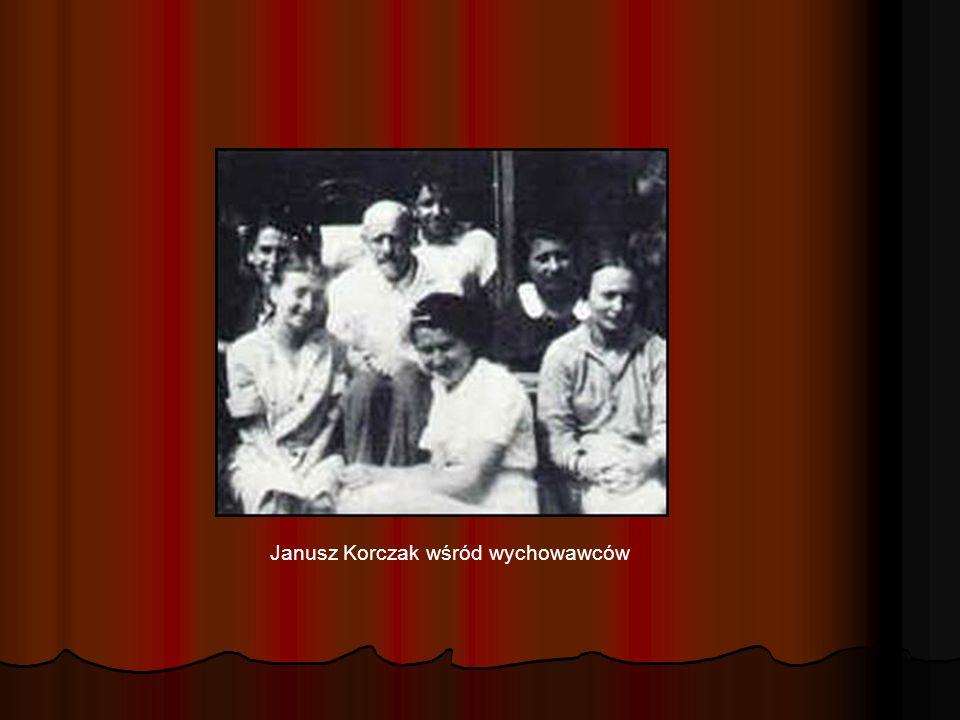 Pomnik Janusza Korczaka w Warszawie przy Pałacu Kultury