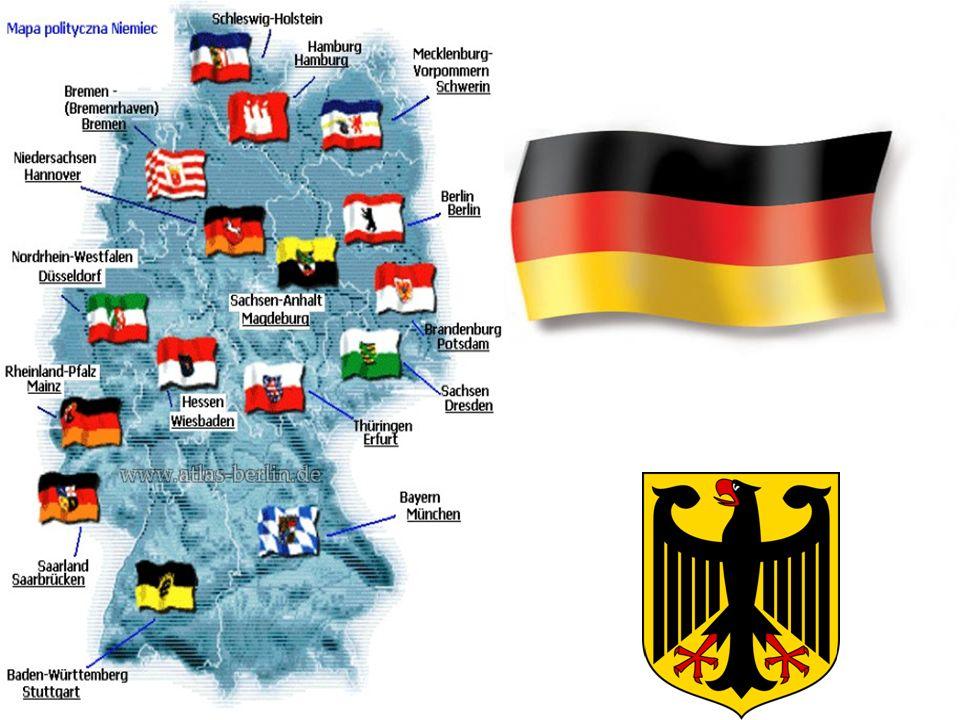 Das Lied der Deutschen Deutschland, Deutschland über alles, über alles in der Welt, Wenn es stets zu Schutz und Trutze brüderlich zusammenhält Von der Maas bis an die Memel, von der Etsch bis an den Belt.