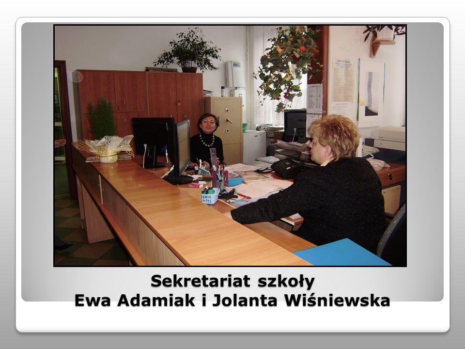 Sekretariat szkoły Ewa Adamiak i Jolanta Wiśniewska