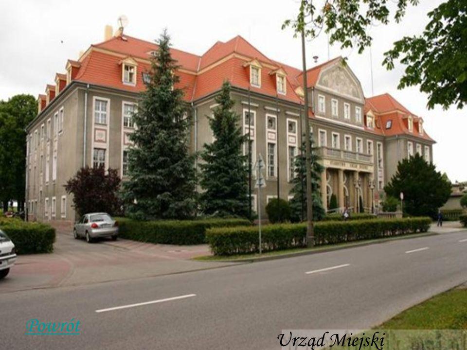 Poczta Zbudowana z czerwonej cegły w stylu neogotyckim w pierwszej połowie XIX wieku (ul.