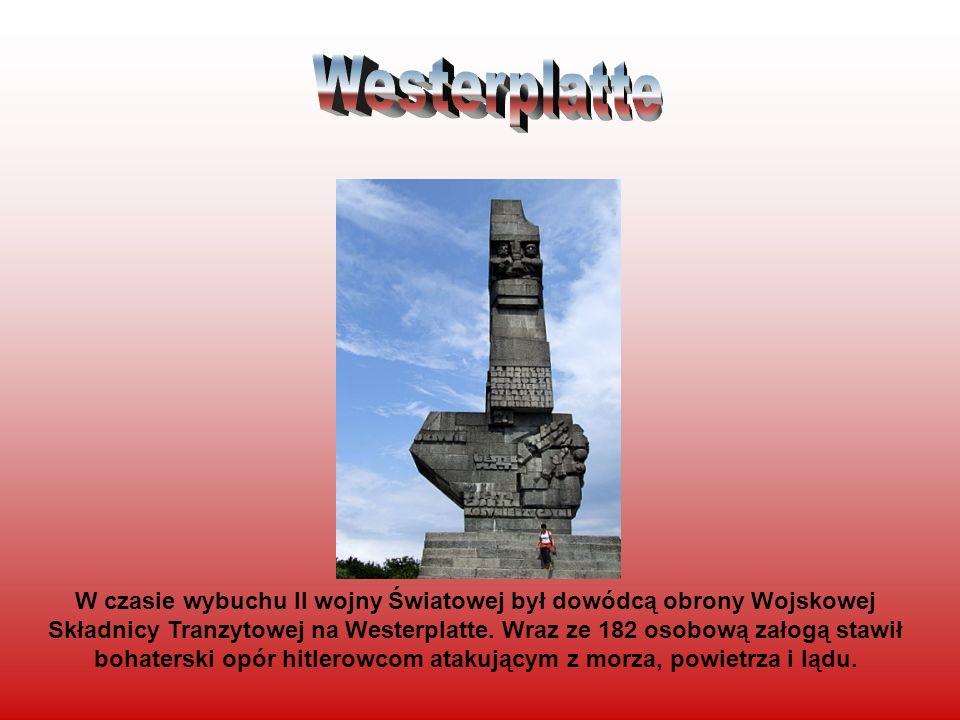 W czasie wybuchu II wojny Światowej był dowódcą obrony Wojskowej Składnicy Tranzytowej na Westerplatte. Wraz ze 182 osobową załogą stawił bohaterski o