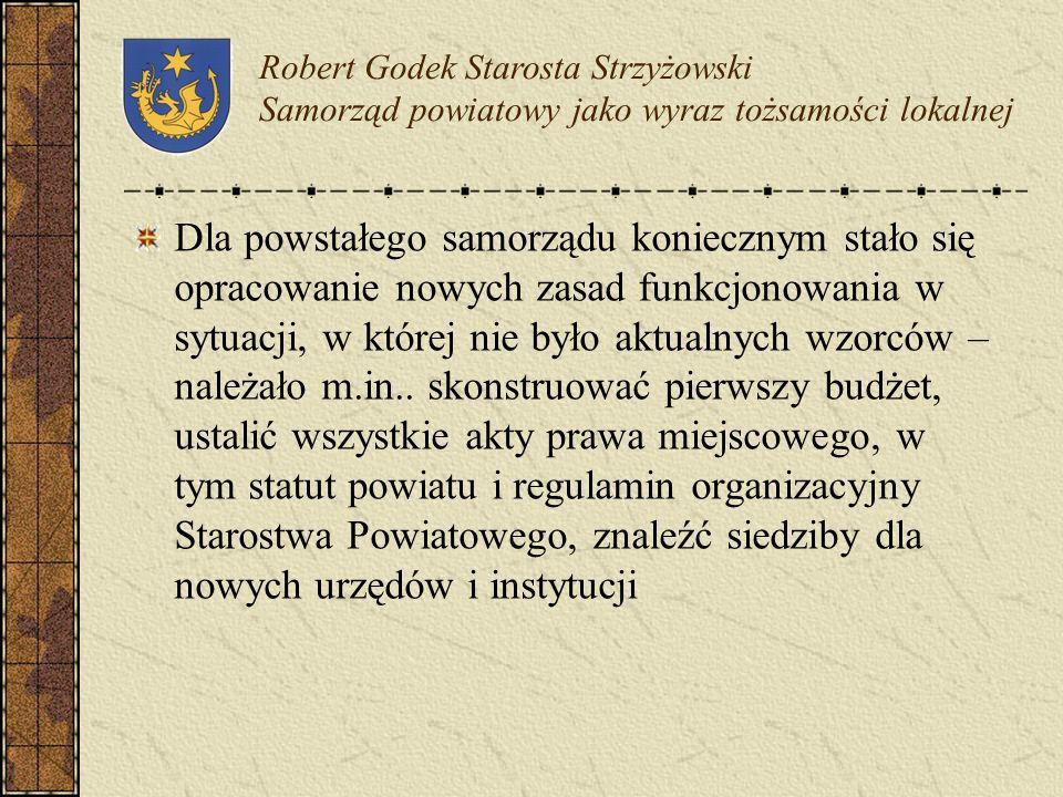 Powstały w 1999 r. Powiat Strzyżowski zajmuje obszar 503 km 2, w 2001 r. mieszkało na tym terenie 62633 mieszkańców, tworzy go pięć gmin zbiorowych po