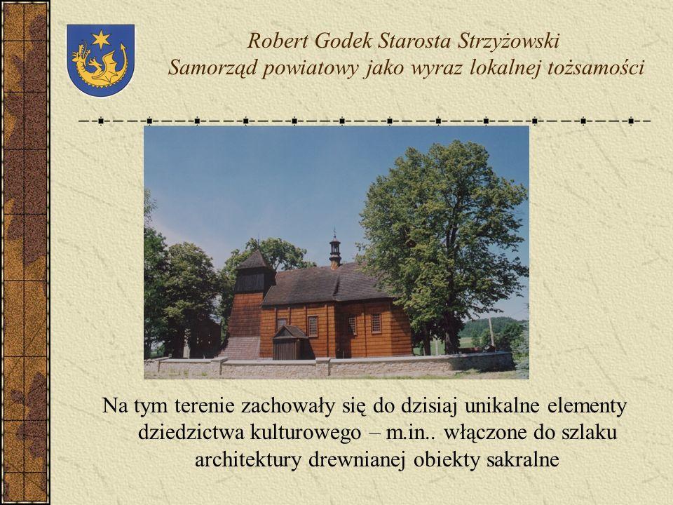 Jednym z najważniejszych atutów powiatu strzyżowskiego są jego walory przyrodniczo – krajobrazowe – ponad 80% obszaru powiatu objęte jest różnymi form