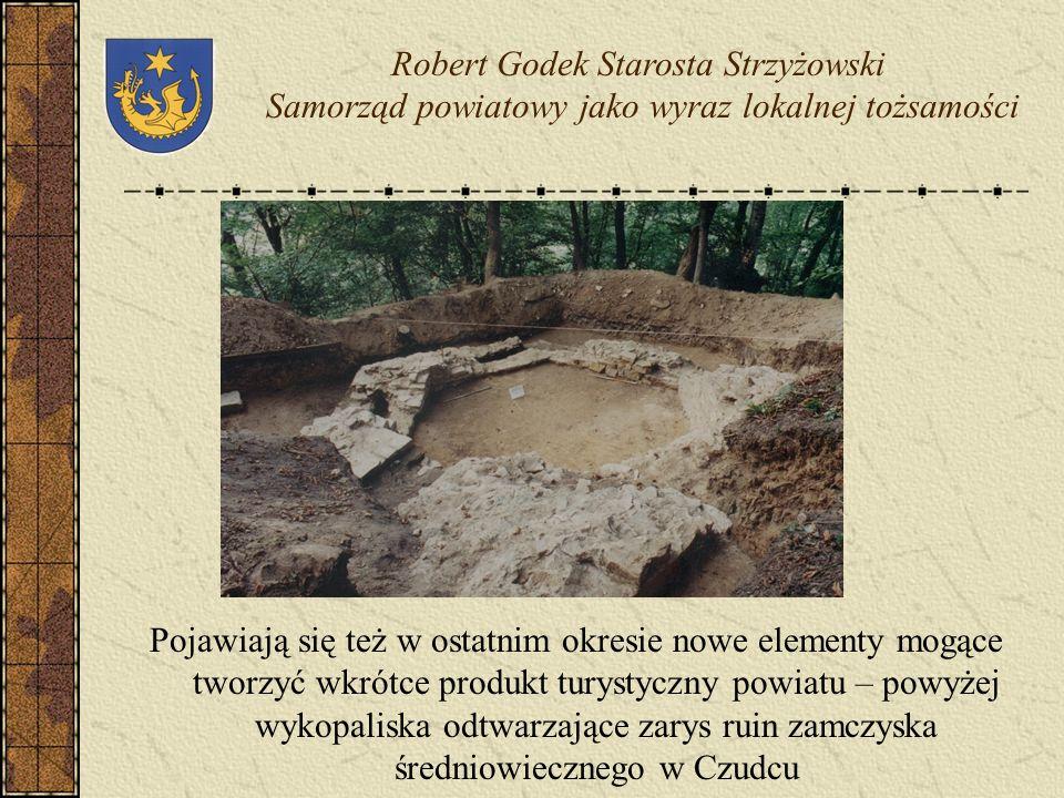 Na tym terenie zachowały się do dzisiaj unikalne elementy dziedzictwa kulturowego – m.in.. włączone do szlaku architektury drewnianej obiekty sakralne
