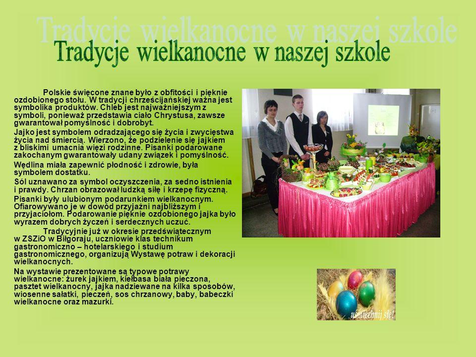 Polskie święcone znane było z obfitości i pięknie ozdobionego stołu. W tradycji chrześcijańskiej ważna jest symbolika produktów. Chleb jest najważniej