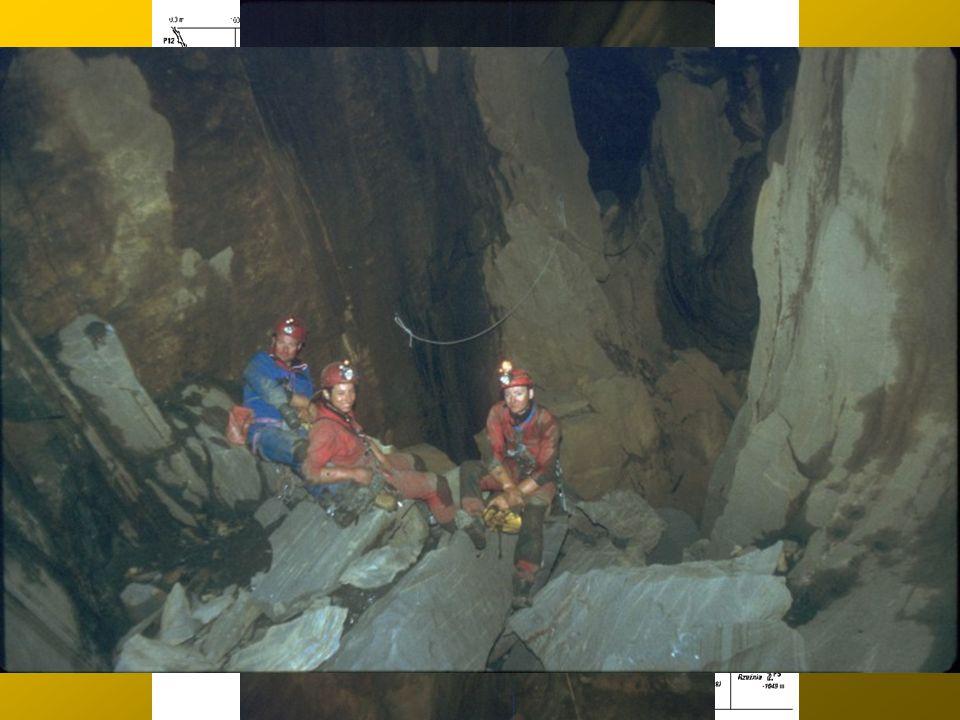Droga na dno c.d.: Meander na Przekór Sala Proroka (-700 m)