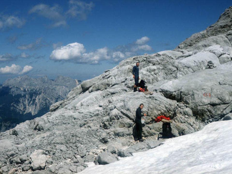 Baza: »znajduje się na wysokości 2300 m n.p.m.
