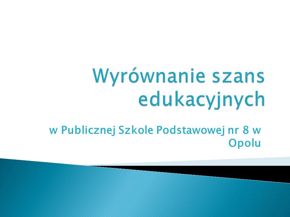 W roku szkolnym 2010/2011 realizowaliśmy 4 projekty W roku szkolnym 2011/2012 realizowaliśmy 3 projekty CELE: zwiększenie zainteresowania uczniów nauką, przedmiotem lub grupą przedmiotów.