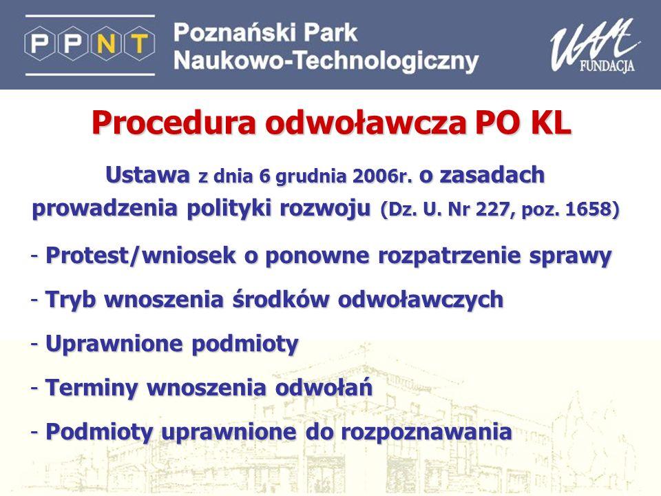 8 Działanie 2.1 Rozwój kadr nowoczesnej gospodarki Typy projektów: szkolenia i doradztwo dla przedsiębiorców przygotowane w oparciu o indywidualne strategie rozwoju firm, zgłaszane przez przedsiębiorców samodzielnie bądź w partnerstwie z instytucjami szkoleniowymi studia podyplomowe Dofinansowanie: do 100% C-F: 10% - zakup/leasing sprzętu, platform e-learningowych Instytucja Wdrażająca: Polska Agencja Rozwoju Zasobów Ludzkich Projektodawcy: wszystkie podmioty Grupy docelowe: firmy, grupy firm, regionalne oddziały firm, pracownicy przedsiębiorstw