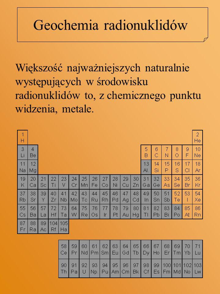 Większość metali jest transportowanych w środowiskach wodnych w formie kompleksów Kompleks – związek kationu z anionem lub obojętną cząsteczką występujący w formie rozpuszczonej.