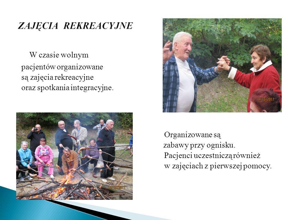 W czasie wolnym pacjentów organizowane są zajęcia rekreacyjne oraz spotkania integracyjne. Organizowane są zabawy przy ognisku. Pacjenci uczestniczą r
