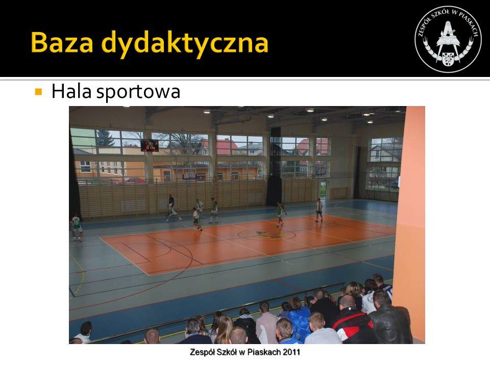 Hala sportowa Zespół Szkół w Piaskach 2011