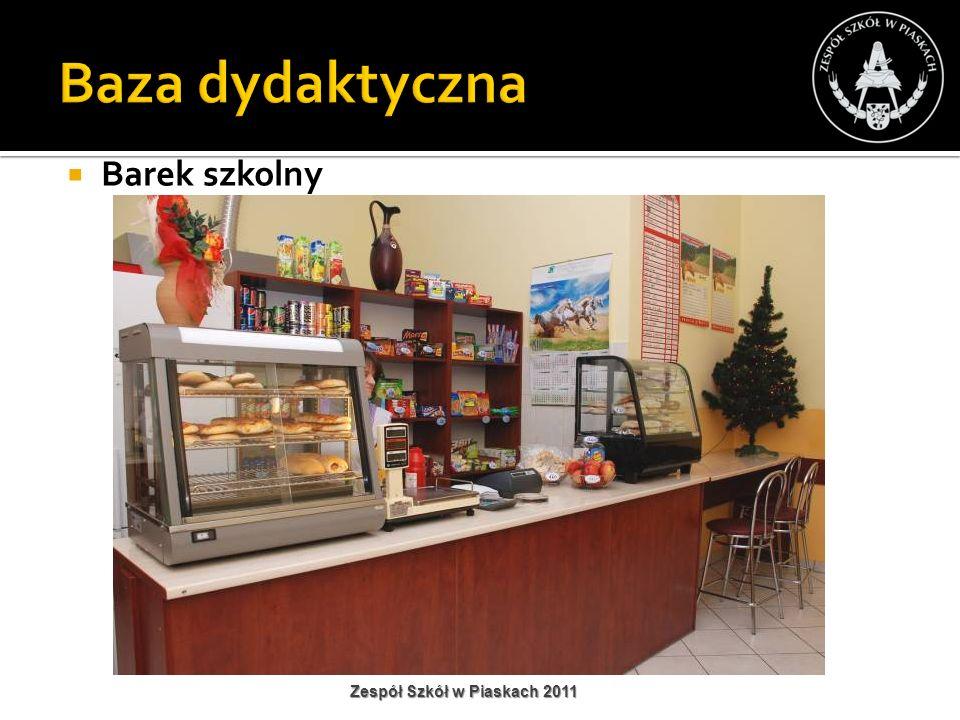 Barek szkolny Zespół Szkół w Piaskach 2011