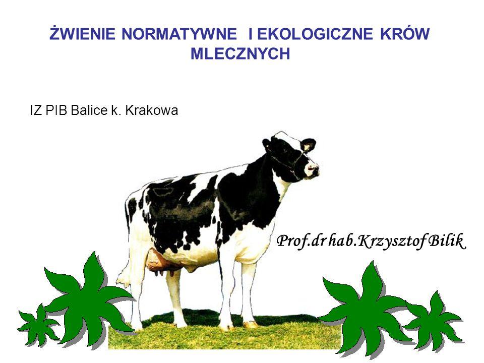 DAWKOWANIE PASZY TREŚCIWEJ W ZALEŻNOŚCI OD JAKOŚCI PASZY OBJĘTOŚCIOWEJ I WARTOŚCI ENERGETYCZNEJ PASZY TREŚCIWEJ ( KOWALSKI, 2004) Jakość pasz objętościowych Wydajność mleka z dawki pasz objętościowych (kg/dzień) Dawka paszy treściwej (kg/kgmleka) w zależności od wartości energetycznej paszy treściwej (JPM/kg) 0,8 0,9 * 1,0 ** Mierna 5 0,56 0,50 0,45 Średnia 5 - 10 0,50 0,45 0,42 Dobra 10 – 15 0,45 0,38 0,36 Bardzo dobra 15 0,42 0,36 0,33 * Mieszanka treściwa złożona z ziarna: jęczmienia, owsa i otrąb pszennych (34:33:33).