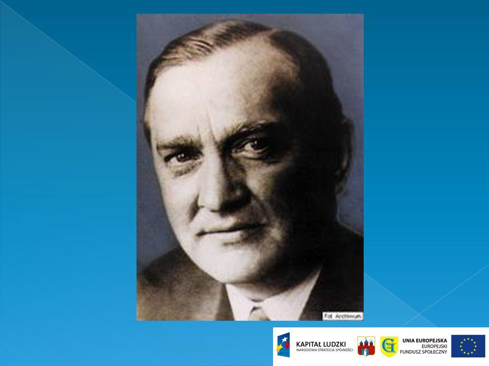 Był autorem ponad 60 prac naukowych i twórcą wielu twierdzeń o fundamentalnym znaczeniu dla wielu działów matematyki.