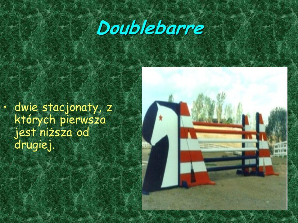 Doublebarre dwie stacjonaty, z których pierwsza jest niższa od drugiej.