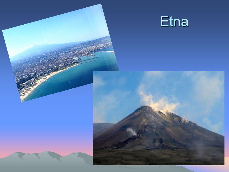 HEKLA Hekla - wulkan w południowo-zachodniej Islandii, położony 115 km na wschód od stolicy kraju Reykjavíku.