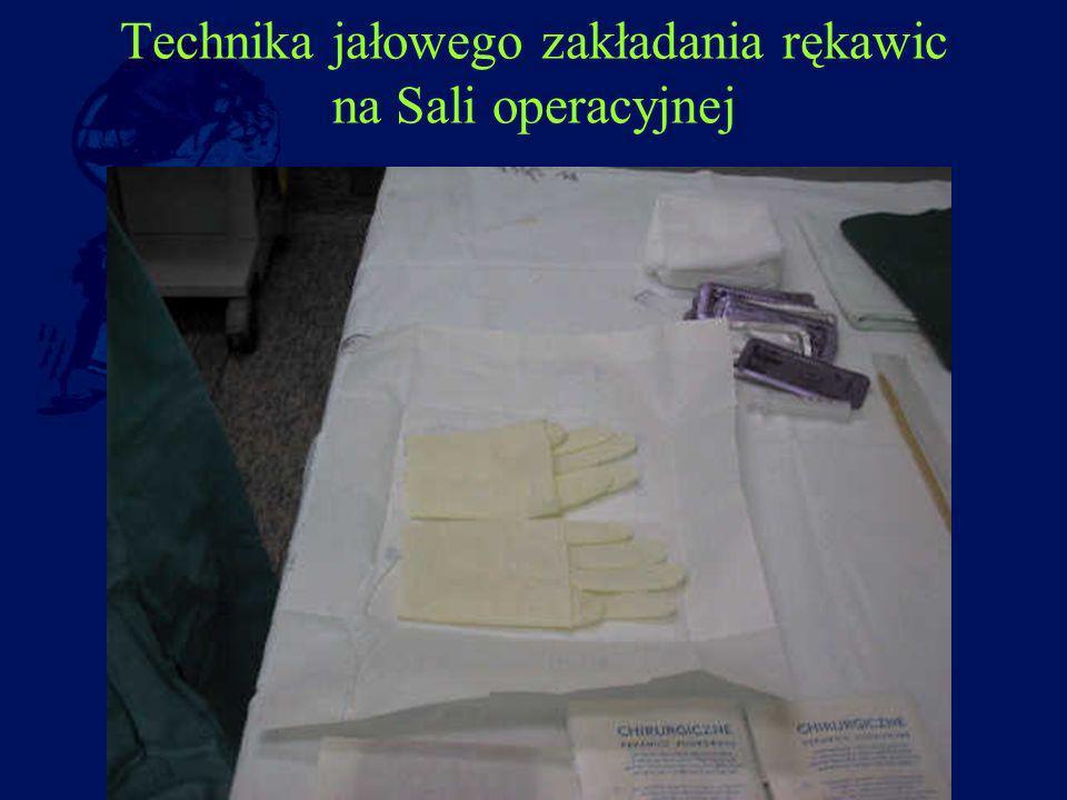 Technika jałowego zakładania rękawic na Sali operacyjnej