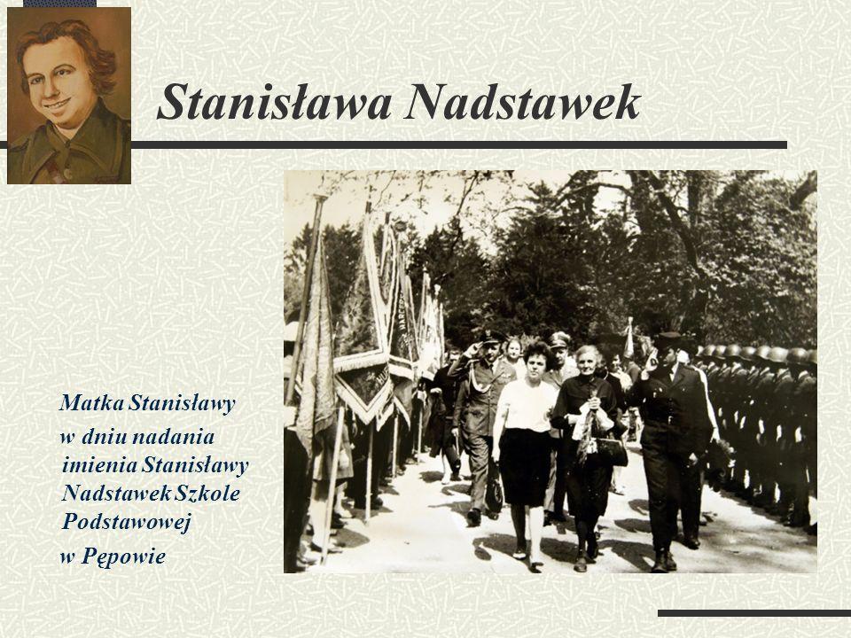 Matka Stanisławy w dniu nadania imienia Stanisławy Nadstawek Szkole Podstawowej w Pępowie
