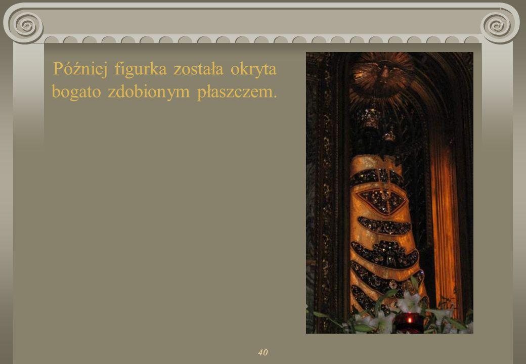 40 Tak wyglądała oryginalna figurka Matki Bożej Loretańskiej. Jest wykonana z drzewa hebanowego stąd jej czarny kolor.