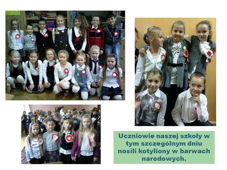 Uczniowie naszej szkoły w tym szczególnym dniu nosili kotyliony w barwach narodowych.