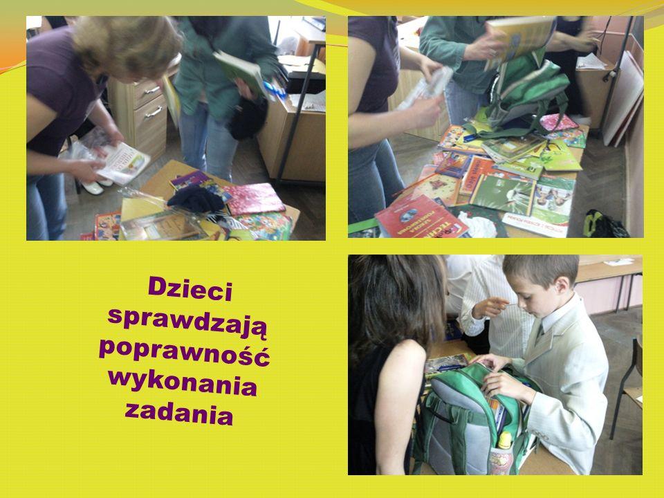 Dzieci sprawdzają poprawność wykonania zadania