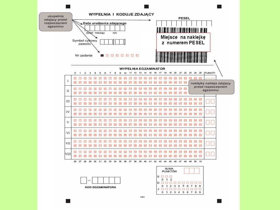 Postępowanie z materiałami niejawnymi materiały niejawne: informacje i wytyczne do przygotowania stanowisk otrzymane z CKE przed egzaminem, arkusze egzaminacyjne, prace egzaminacyjne i dokumentacja egzaminacyjna okres czasu, w kt ó rym informacja jest niejawna: arkusze, wytyczne i inne informacje związane z przygotowaniem egzaminu są niejawne przed i w czasie egzaminu (po zakończeniu egzaminu zdający mogą arkusze zabrać ze sobą) prace egzaminacyjne i wyniki sprawdzania (zasady sprawdzania) – pozostają niejawne na zawsze