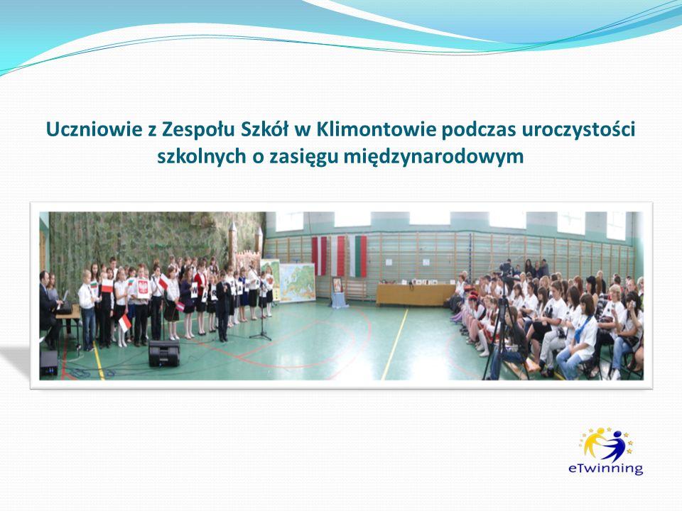 Uczniowie z Zespołu Szkół w Klimontowie podczas uroczystości szkolnych o zasięgu międzynarodowym