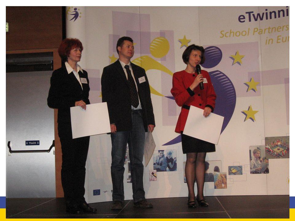 Odznaki Jakości eTwinning Krajowe Odznaki Jakości – przyznano 482 Europejskie Odznaki Jakości – przyznano 305 Odznaki Jakości przyznawane są nauczycielom koordynatorom projektów dwa razy w roku: w marcu i we wrześniu; Nauczyciele, którzy otrzymali Krajowe Odznaki Jakości mogą otrzymać Europejską Odznakę Jakości; jeśli przynajmniej dwóch nauczycieli otrzyma Krajową Odznakę za dany projekt, wówczas otrzymają oni automatycznie Europejską Odznakę Jakości.