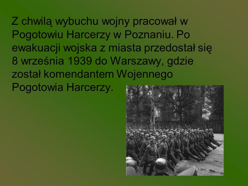 Z chwilą wybuchu wojny pracował w Pogotowiu Harcerzy w Poznaniu. Po ewakuacji wojska z miasta przedostał się 8 września 1939 do Warszawy, gdzie został