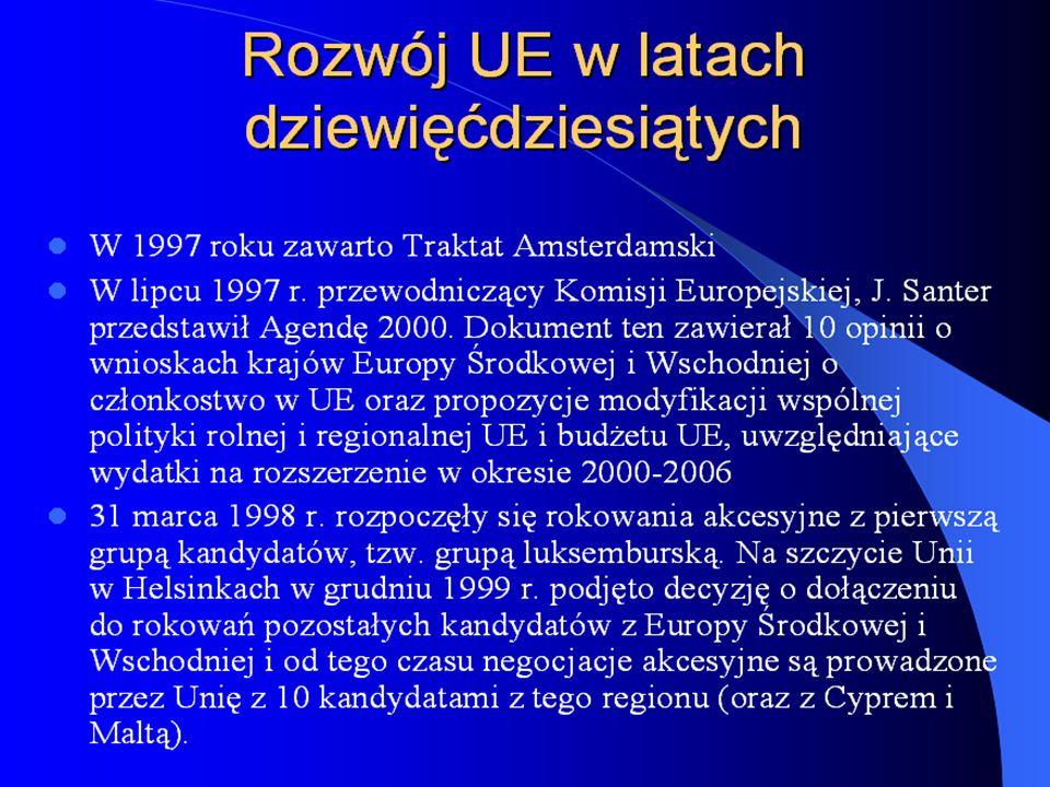Obecne rozszerzenie UE Ostatnie negocjacje o członkostwo w Unii Europejskiej prowadziło 12 państw z których 10 pomyśle zakończyło negocjacje: Cypr, Czechy, Estonia, Polska, Słowenia i Węgry (określane mianem Grupy Luksemburskiej)oraz Bułgaria, Malta, Litwa, Łotwa, Słowacja, Rumunia(tworzące Grupę Helsińską) Negocjacje zostały zakończone 13 grudnia 2002 roku w Kopenhadze, a uroczyste podpisanie traktatu akcesyjnego miało miejsce 16 kwietnia 2003 roku w Atenach.