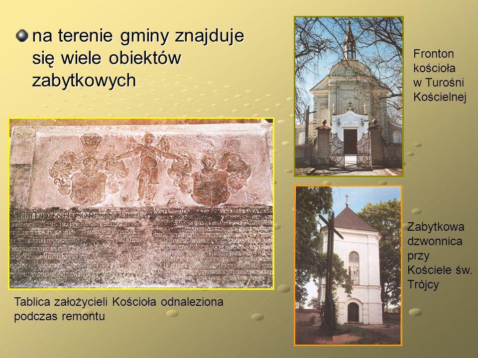 Dwór myśliwski z II poł.XVIII w. w Turośni Kościelnej Kościół pw.