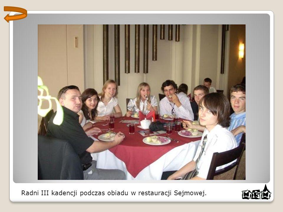 Radni III kadencji podczas obiadu w restauracji Sejmowej.