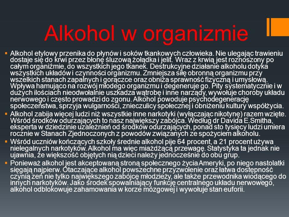 Alkohol w organizmie Alkohol etylowy przenika do płynów i soków tkankowych człowieka. Nie ulegając trawieniu dostaje się do krwi przez błonę śluzową ż